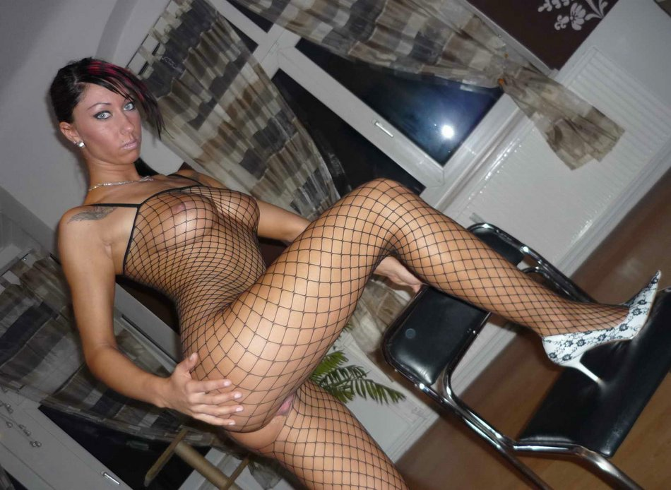 Curvaceous, Dark Haired Gal With XXX