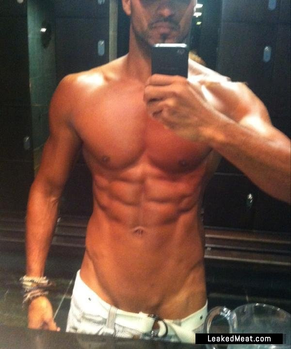 Ricky Whittle Nude foto 4